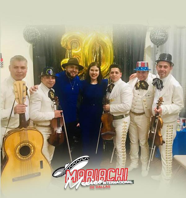 Mariachi en la fiesta de cumpleaños de Dallas, Texas